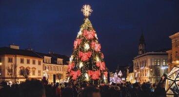 Kalėdų eglutės įžiebimas Rotušės aikštėje