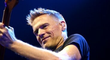 "Bryan Adams ""Get Up"" turo koncertas"