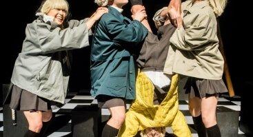 """Keistuolių teatro spektaklis """"Ilgoji pertrauka"""""""