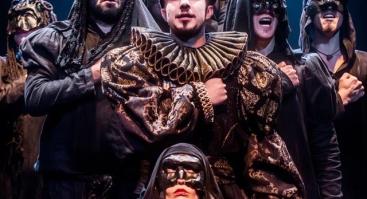 """Keistuolių teatro spektaklis """"Varnas"""""""