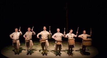 """Keistuolių teatro spektaklis """"Grybų karas ir taika"""""""