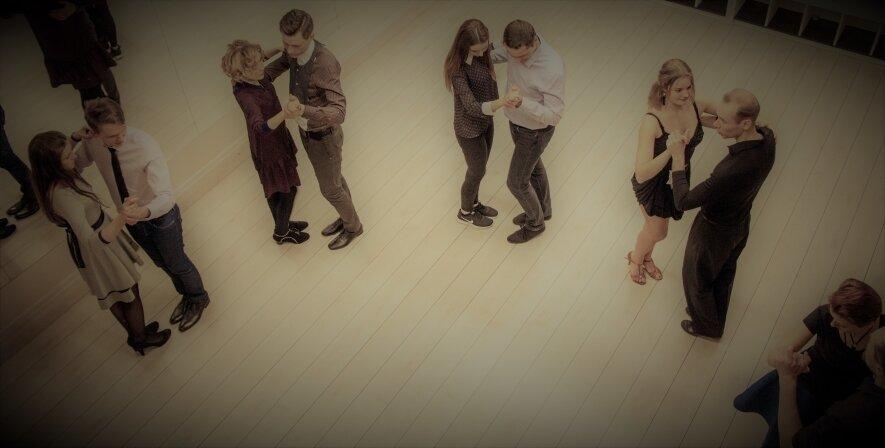 Pramoginių,salsa,bachata šokių pamokos suaugusiems