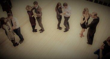 Nemokama porinių pramoginių šokių pamoka suaugusiems
