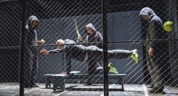 BĖGIKAS I Jaunimo teatro spektaklis