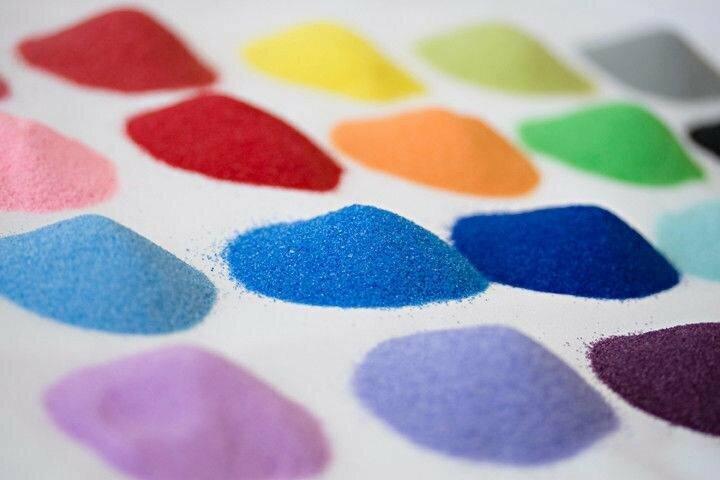 Piešimas spalvotu smėliu Raudondvario dvare