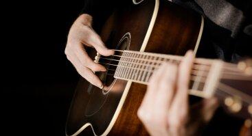 """Klasikinės gitaros rečitalis """"Nuo renesanso iki šių dienų"""""""