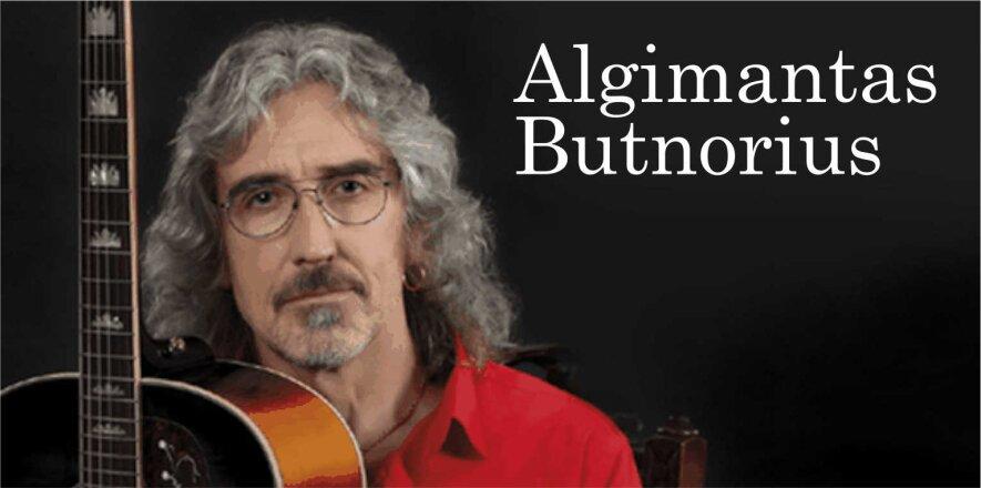 Nemokamas populiarios muzikos vakaras. Groja dainų autorius ir atlikėjas ALGIMANTAS BUTNORIUS