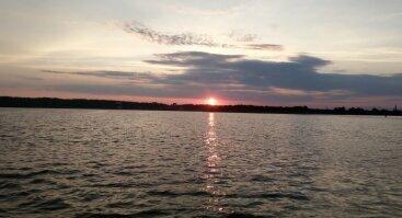 Vakarinis pasiplaukiojimas jachta