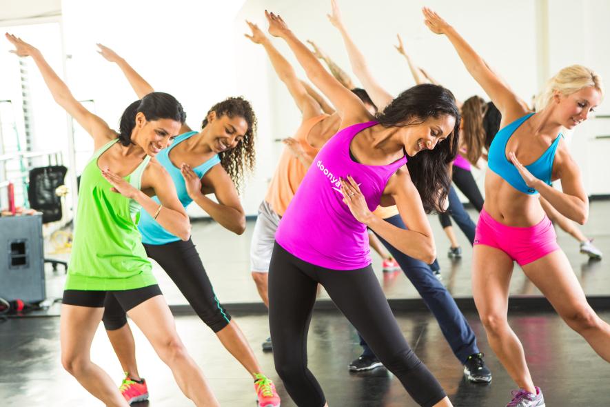 Latino dance fitness šokių pamokos moterims