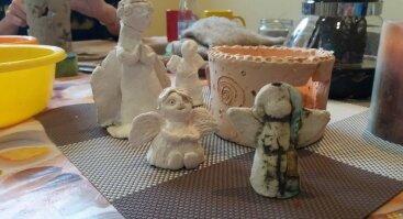 Keramikos šviestuvų ir angelų dirbtuvės šeimai