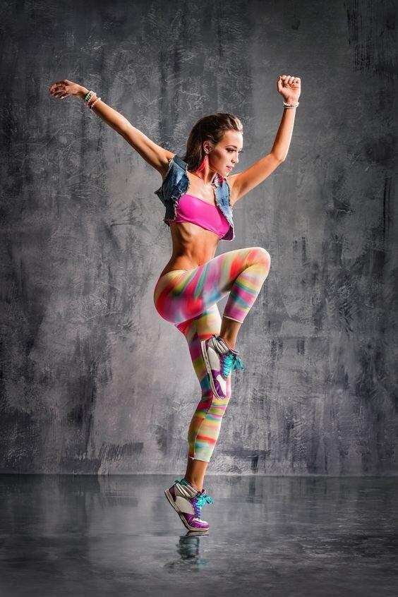 Latino dance fitness šokiai moterims