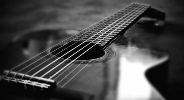 """Klasikinės gitaros koncertas """"Pamilę gitarą"""""""