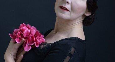 Šimtmečio moterys. Istorinio spektaklio eskizas