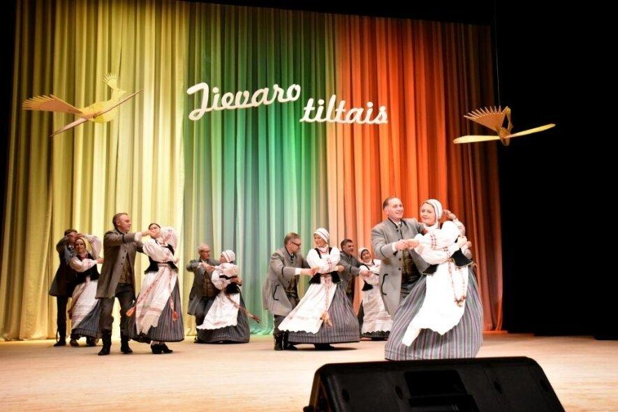"""Regioninis tautinių šokių festivalis """"Jievaro tiltais"""""""