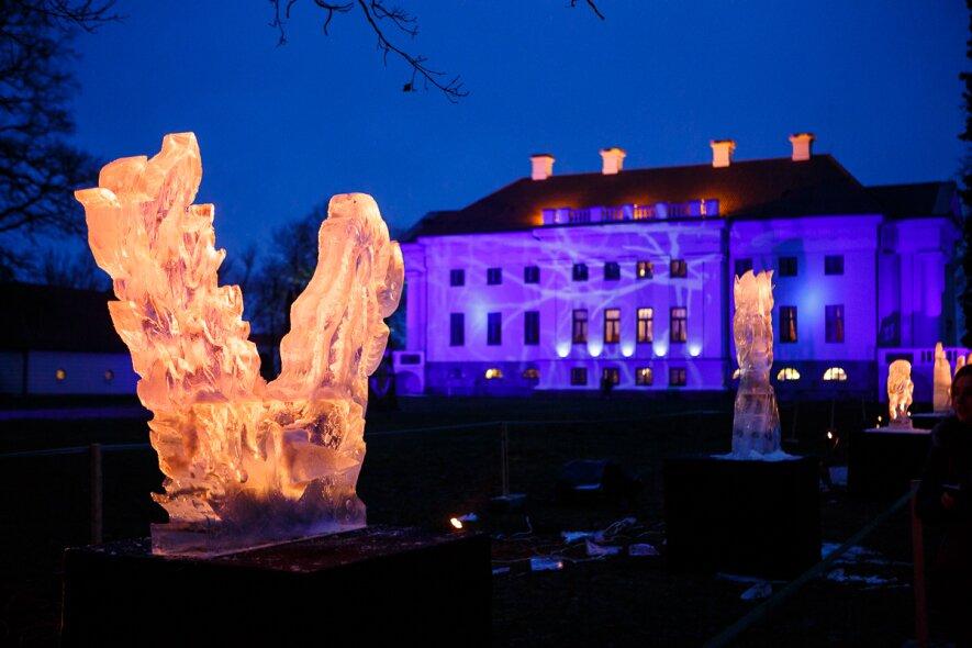 Gyvasis muziejus Ledo skulptūrų karalystėje