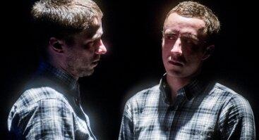 """Teatras ATVIRAS RATAS I """"Apie žmogų, nužudžiusį gulbę"""" N14"""