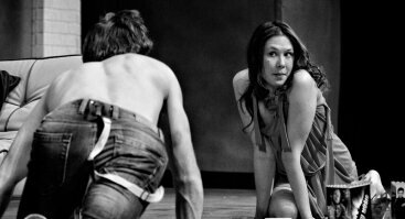"""J.Miltinio dramos teatro spektaklis """"LAISVI DRUGELIAI"""""""