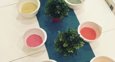 Sagių gamyba naudojant spalvotą smėlį