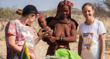 """Filmas """"Dviračiais Afrikoje. Namibija"""""""