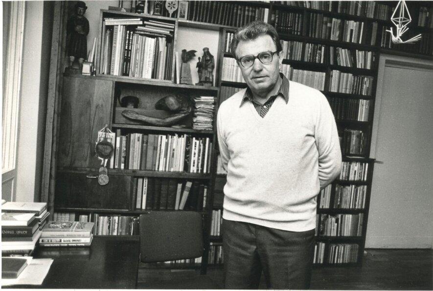 VAKARAS J. MARCINKEVIČIUI