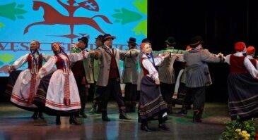 """Liaudiškų šokių festivalis""""Pasodinom ąžuolą"""""""