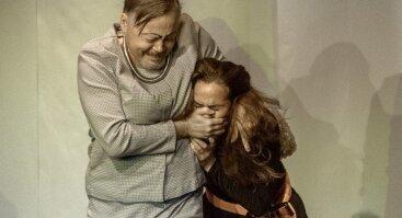 MAMA DRĄSA pagal Bertoldą Brechtą (16+), rež. E. Seņkovs