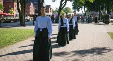 """Istorinė ekskursija - šokio spektaklis """"Šachas Prūsijai. Luizė Mėmelyje"""""""