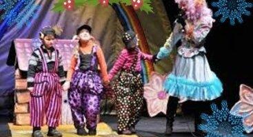 Raganiukės teatras. Trys paršiukai pasitinka Kalėdas. Spektaklis vaikams