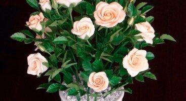 Gėlių lipdymas iš savaime stingstančio modelino