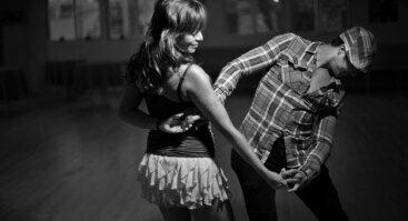 Porinių pramoginių šokių pamoka
