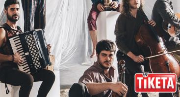 """Charizmatiškų ir jausmingų virtuozų grupė iš Pietų Italijos """"DOMO EMIGRANTES"""""""