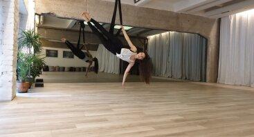 Įkvepianti oro joga rytais