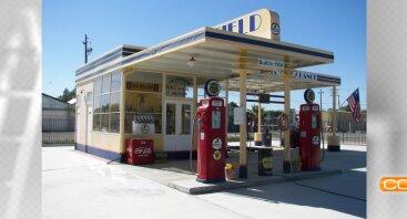 Naftos produktų degalinės operatorius