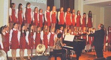 """Vakaras-koncertas """"Gitel"""", skirtas Holokausto Aukų atminimo dienai"""