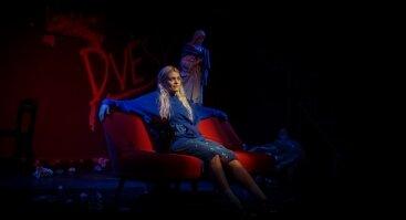 MARI KARDONA (Vilniuje) | OUT OF(F) CIRCLE | Alternatyvi teatro platforma