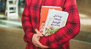 """Susitikimas su knygos """"Laimingi žmonės keliauja dviračiais"""" autore Rasa Sage"""