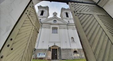 Ekskursija. Karmelitai. Vienuolynas ir Švento Kryžiaus bažnyčia.