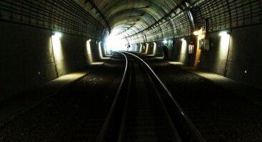 Inovatyvi ekspozicija geležinkelio tunelyje