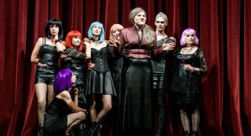 BALKONAS | Jaunimo teatro spektaklis