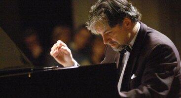 Jo didenybė fortepijonas