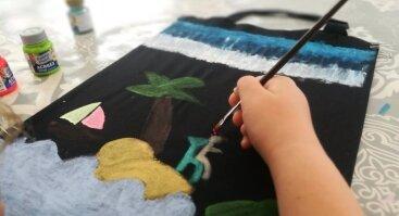 Piešimas ant medvilninių pirkinių maišelių viloje Ramybė