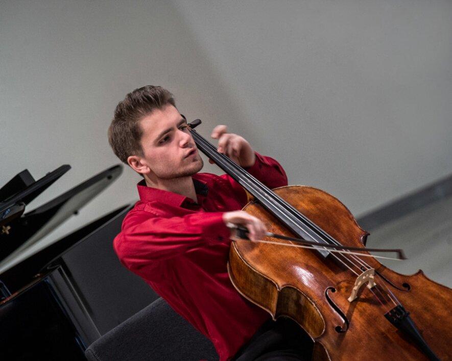 Violončelė solo