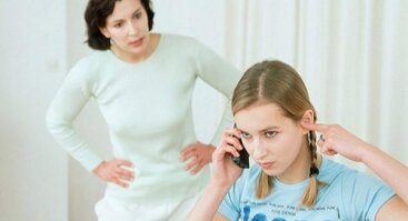"""KAS PAKEITĖ MANO VAIKĄ?  APIE TĖVUS VAIKUS IR MEILĖS TVARKĄ arba ką gi vaikai """"tvarko"""" šeimoje ir kuo už tai moka?"""