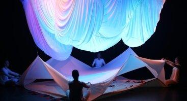 Interaktyvus šokio ir judesio spektaklis 6-18mėn. kūdikiams Debesų Gaudyklė