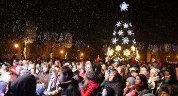 Kalėdų eglės įžiebimo šventė Kėdainiuse