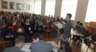 """Jaunimo parodomieji debatai Panevėžyje """"Ar Europa pajėgi tapti pirmuoju neutralaus poveikio klimatui žemynu?"""""""