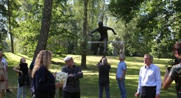 Balansas medžių viršūnėse: parodos skulptūros Europos parko lankytojus stebins iki pat lapkričio
