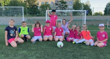 Atviros futbolo treniruotės 4-8 metų mergaitėms MFA Bitės akademijoje