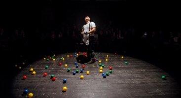 TIK SUAUGUSIEMS (rež. Justas Tertelis) Teatras Atviras ratas I Vilniaus miesto teatras