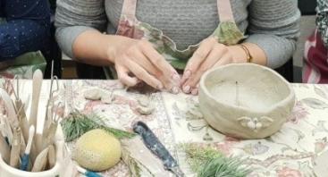 Glazūruota keramika. Dubenėlio dirbtuvės
